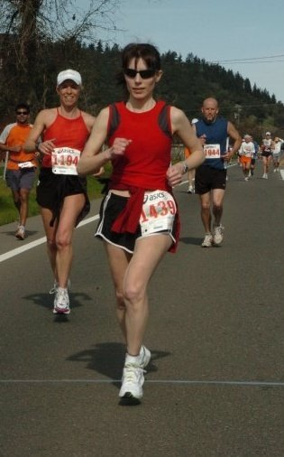 Tammy looking strong at mile 21 at the 2008 Napa Valley Marathon.
